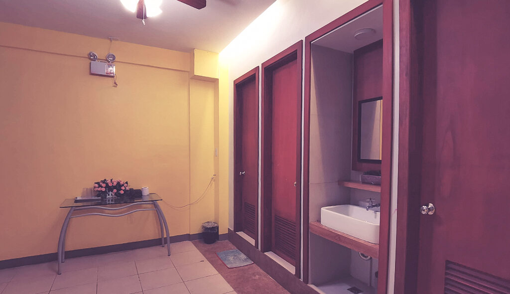 Common Toilet and Bath