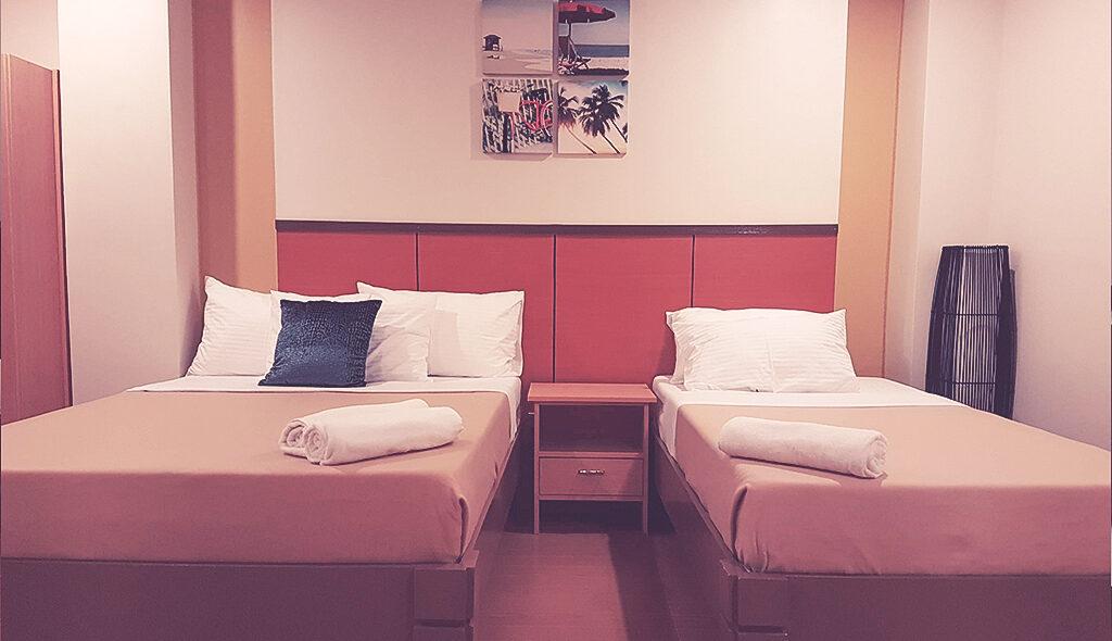 Family Room 4b-1400
